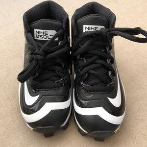 Nike kids baseball shoes 10C NWOT